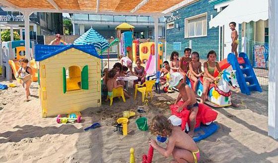 spiaggia cattolica beach village